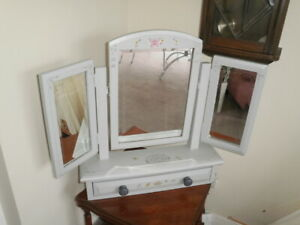 PINE PAINTED TRIPLE SWIVEL DRESSING TABLE MIRROR BEVELLED EDGE GLAS