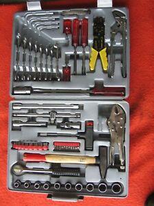 Werkzeugkoffer mit Werkzeug - Inhalt