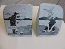 Serre-livre 2 pierres gravées SIKU Art Inuit Pêche esquimau hand carved stone