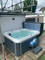 """BRAND NEW LUSO SPAS LUXURY HOT TUB """"THE 4000+"""" SPA WHIRLPOOL 2 SEAT 2 LOUNGERS"""