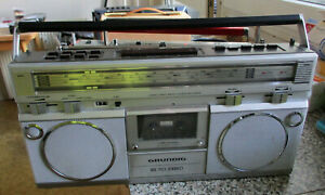 altes Radio Grundig RR 710 Kassettenradio