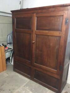 Antique Georgian oak hall housekeeper's linen presscupboard