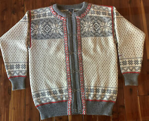 Dale of Norway cardigan sweater large pewter metal clasps pre-owned snowflake