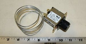 True upright air sensing reach in cooler thermostat 800306 Ranco Eaton 9531N25