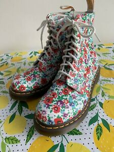 Dr. Martens Poppy Floral Pascal 1460 Size 5 NEW