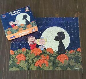 Peanuts Its the Great Pumpkin Jigsaw Puzzle Halloween Snoopy 200 Pieces UFS Box