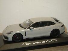 Porsche Panamera GTS Sport Turismo - Minichamps 1:43 in Box *37316