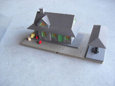 Vintage HO Scale Tyco Plastic Gray Brick Passenger Station Building Lighted