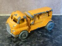 VINTAGE LESNEY MATCHBOX No.28 BEDFORD COMPRESSOR TRUCK YELLOW/ORANGE