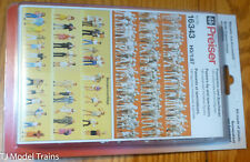 Preiser HO #16343 Unpainted Figure Set -- Passers-by/Spectators