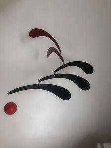 Flensted Flowing Rhythm Mobile - Red & black