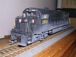 STEWART #7550  P.R.R. G.E. U25B Diesel Loco #2651 Built-up w/Kadees H.O. 1/87