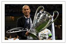 Zinédine Zidane Real Madrid autografo signed foto Stampa Calcio