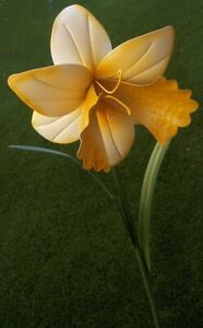 "Garden Lawn Yard Decoration Flower White Daffodil metal pick stake NEW 44"""