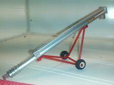 1/64 ertl custom farm toy 32' mayrath grain auger standi plastic rubber tires.