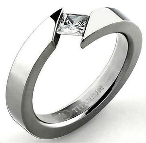 Titanium Polished Bypass Tension RING with 4mm Square CZ stone, size 8