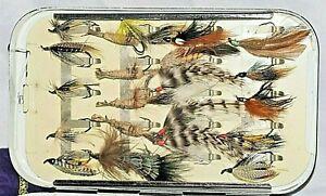 VINTAGE ENGLISH JAPANNED SALMON FLY TIN + 20 CLIPS & SALMON FLIES