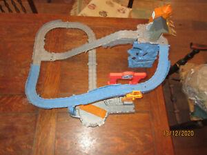GULLANE 2011 THOMAS TANK ENGINE RAILWAY TAKE 'N'PLAY FOLDUP TRACK TURNTABLE SAW