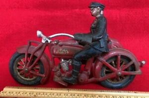 Rare large Hubley Indian motorcycle w/side car and rider nice original condition