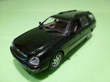 MINICHAMPS FORD SCORPIO BREAK - GREEN 1:43 - RARE SELTEN - EXCELLENT