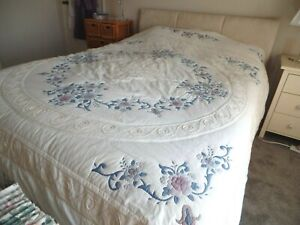 QUILTED COVER BEDSPREAD EXTRA LARGE CREAM COTTON FLORAL