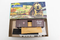 HO ATHEARN KIT CANADIAN PACIFIC CP RAIL 40' FT BOX CAR NEWSPRINT RED SHIELD H&D