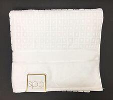 """NEW SPA BY KASSATEX WHITE 3D 100% SPUN COTTON BATH TOWEL-27.5"""" x 54"""""""