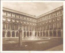 England - Hampton Court Palace - The Fountain Court
