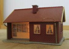 H0 Single Family Home, Clinker, Red, Illuminated