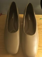 1a6e2d8fc676 Women Naturalizer Beige Leather Pumps Chunky heel 10M new with box - never  worn