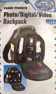 Tamrac Tek 4371 DSLR Photography, Padded Photo  Digital - Video Backpack, NEW