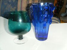 2 coloured glasses       1 green brandy style     glass and 1 blue tumbler