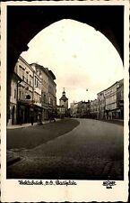 Vöcklabruck Oberösterreich s/w AK 1957 gelaufen Durchblick auf den Stadtplatz