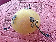 ancienne vasque-lustre verre jaune orangé-suspension fleurs/motifs Art Nouveau