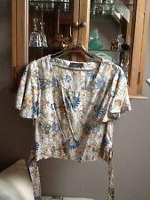 Top Shop short sleeve cropped patterned blouse UK 12