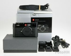 LEICA M 9 BODY IN BLACK // LEICA NUMBER : 10704 // PLEASE READ // SOLD AS IS !!!