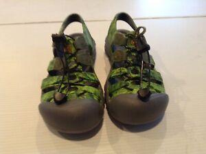 KEEN Boys Neon Green Water Shoes Hiking Sandals Waterproof Hook Loop SZ 2 - Cool