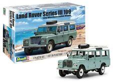 Land Rover Series III 109 Long Wheelbase Wagon w/Roof Rack 1/24 Revell 4498