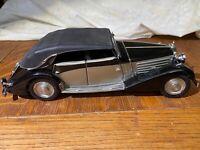 1939 Maybach Zeppelin Franklin Mint 1:24 - in good shape, includes hood ornament