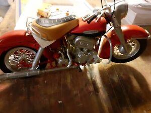 maquette moto Harley Davidson Electra Glide (Revell?)