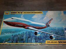 Boeing 747 800 Flugzeug Modellbausatz 1:144