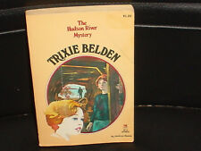 TRIXIE BELDEN * NO 28 *THE HUDSON RIVER MYSTERY * KATHRYN KENNY 1979.