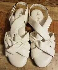 Womens 9.5 Soft Style Hush Puppies White Cushioned Foam Sandals NEW