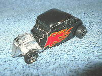 MAISTO 1934 FORD HOT ROD 1:64 BLACK DIECAST CAR WITH RED FLAMES - NICE
