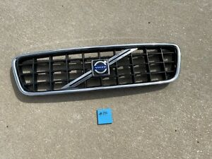 2005-2007 Volvo S60 OEM Front Grille Assembly  #140