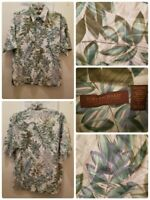 Tori Richard Hawaiian Shirt Size Small Floral Short Sleeve Button Up
