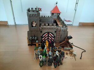 Playmobil Ritterburg mit Pferden, Rittern und Katapult