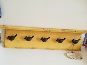 Rustic Style Natural Home Wood Wall Mounted Shelf with Five Metal Bird Hooks