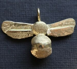 """SOLID 18ct GOLD SCULPTURED 6g BEE PENDANT HAND MADE LONDON HALLMARKED 18"""" CHAIN"""