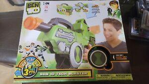 NEW 2011 Bandai Ben 10 Alien Force Tech Blaster  Transforming Suitcase Blaster